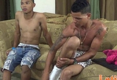 Couple of bored Latino twinks giving head for fun