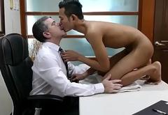 Office daddy banging filipino twink