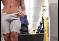Freeballer strip naked in the train