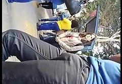 Maludo bulge bulto no ponto de onibus