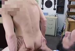 Straight bearded pawnclient fucks pawnbroker