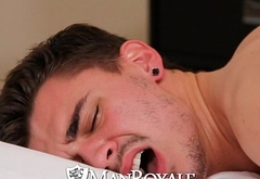 ManRoyale - Nine Incher Tommy Defendi Pounds Asher
