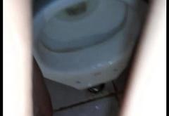 Gay Dando Pro Macho Dotado no Banheiro