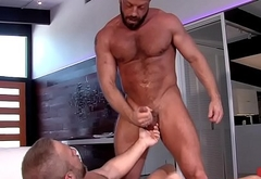 Muscly hung hunks jizz