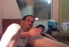 Rumano se folla al Hijo de su Mejor Amigo