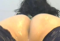 shemale dancing and shaking her big fat ass