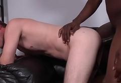 Amateur sucks black cock